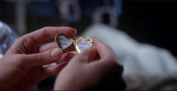 Greys Anatomy- This made me bawl my eyes out :(: Random Pictures, Grey Anatomy, Propo Ideas, Greys Anatomy, Grey'S Anatomy, Photo Galleries, Engagement Propo, Pictures Photo, Lockets Propo