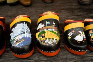 Traditionelle træsko med dekoration | stock foto | Colourbox