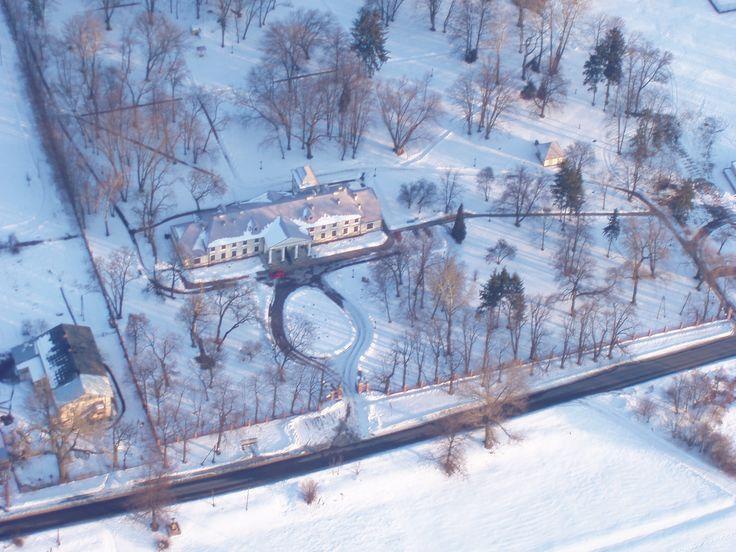 Hotel Rytwiany widziany z wysokości.