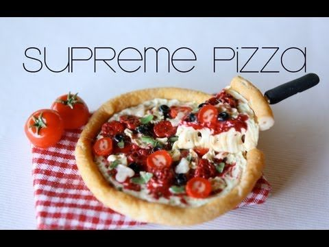 Supreme Pizza from polymer clay.  Good idea for making the spatula too.