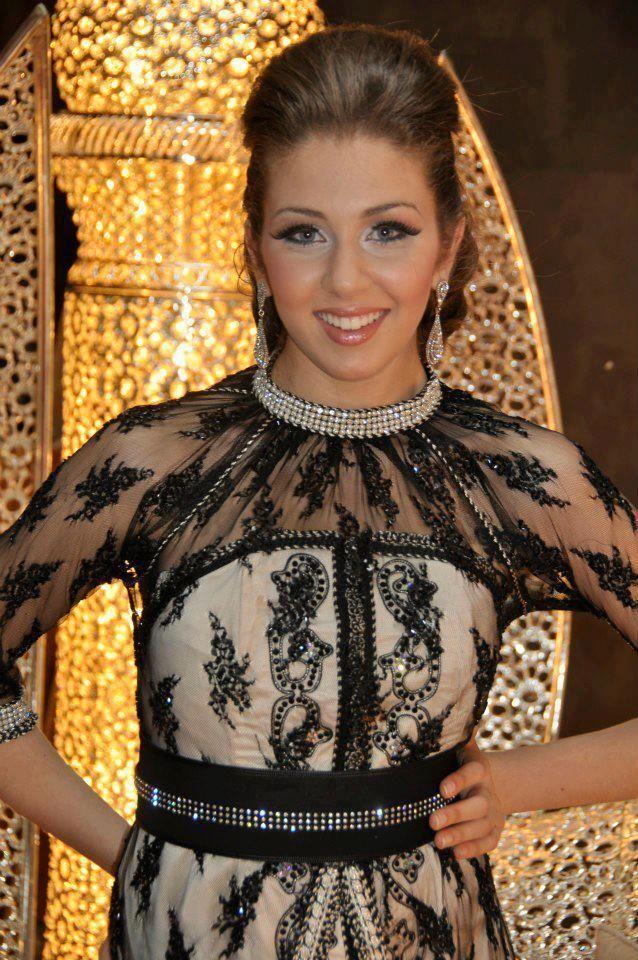 Latest Fashion: Caftan marocain couleurs brillantes