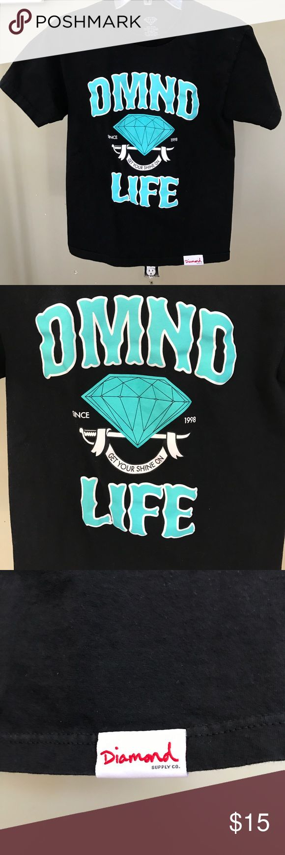 Diamond Men's Graphic Tee Shirt Worn once, in great condition. Men's Size Small but fits women too, looser fit. Diamond Supply Co. Shirts Tees - Short Sleeve