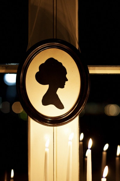 personalized silhouettes as wedding decor