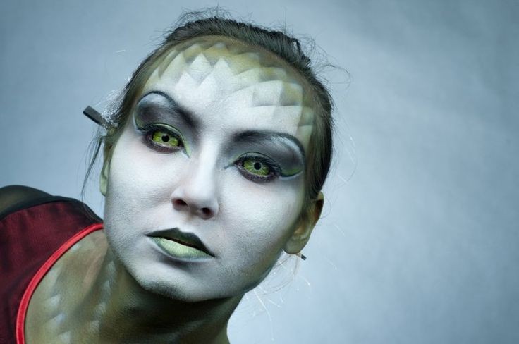 Halloween is right around the corner! If you're looking for cosmetic/costume contact lenses, be smart and contact your eye care professional!