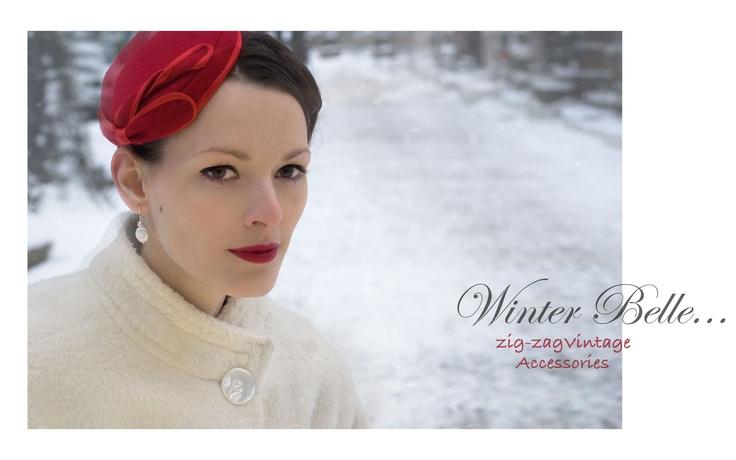 """červený fascinátor, šitý z původního materiálu, s puntíkovanou podšívkou, připevníte kovovým hřebínkem-ruční výroba. K dostání v kloboukove YigYagVintage krabičce. Jeden kus.    Hand made """"Passion of Red"""" fascinator, made form vintage red felt fabric, polka dots lining, silver comb  size: 13.5 cm/7.4""""  only one piece, comes with ZZVintage Box"""