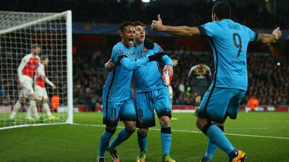 Suárez, Messi and Neymar celebrating FC Barcelona's 2-0 versus Arsenal (23/02/2016)