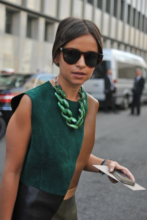 Miroslava Duma in emerald at Milan Fashion Week, 2012 #pantone #emerald #green #2013 On trend, emerald green and big chain necklace Key items 2013