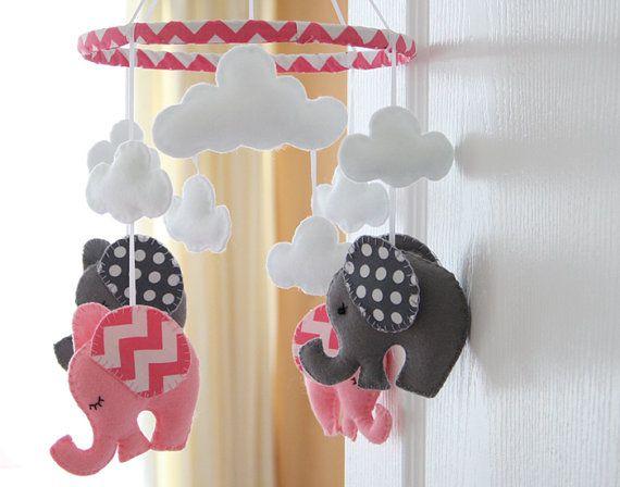 Baby Girl Kindergarten Mobile Mobile Elefant von FlossyTots