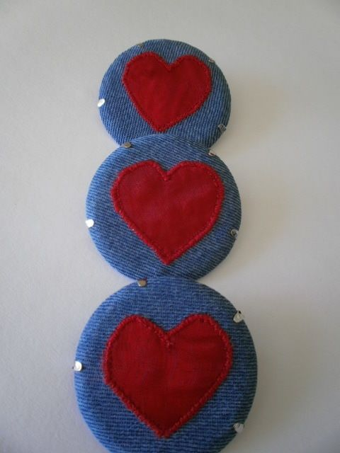 Red Heart Textile Brooch £5.50