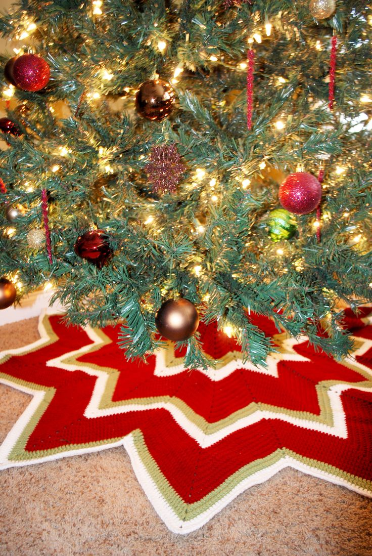 Awesome Knit Tree Skirt Pattern Photos - Blanket Knitting Pattern ...