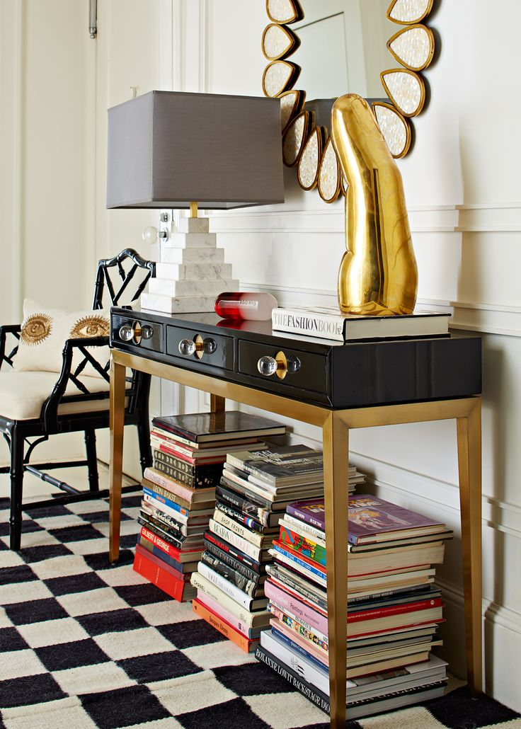 All fingers point to chic when you accessorize your foyer with Jonathan Adler. Our brass finger is the perfect tool to spice up your console.