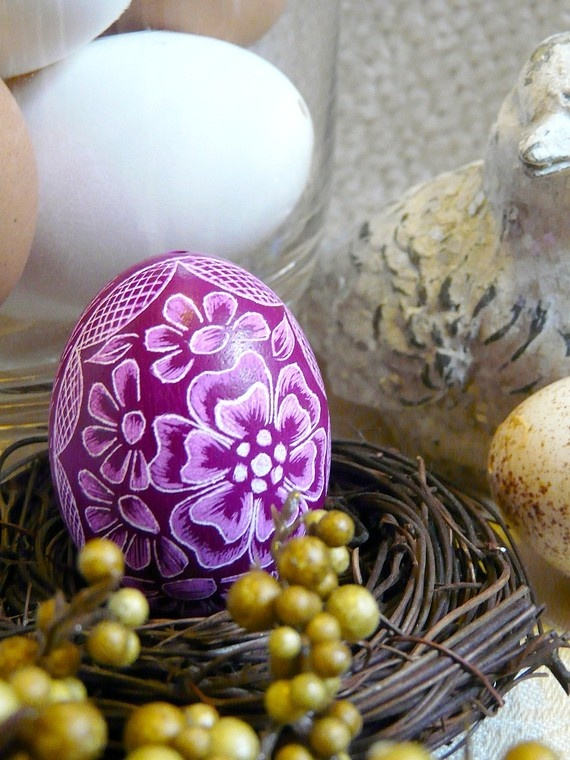 Hand Scratched Egg Unique Carved Present Floral Light Plum Purple Pastel--- Christine of the Teener1416 shop. Katya, like Nicole, practices the traditional Ukranian art of pysanky, while Christine uses the Lithuanian egg scratching technique—scratching intricate designs into the dyed shells of eggs.