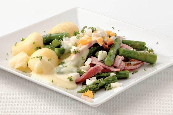 Kijk wat een lekker recept ik heb gevonden op Allerhande! Groene asperges met ham en aspergesaus
