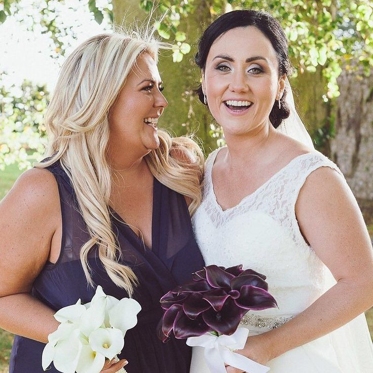 When you know you picked the best person to be your bridesmaid #supportivefriends #bridesmaid #bridesladies #onefabday #weddingphotography #irishbride #irishwedding #irelandelopement #weddingphotographer #friends #friendshipgoals