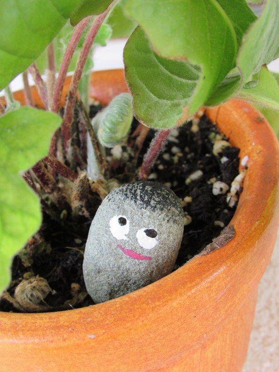 diy-garden-trolls-decoration enjoysmallthings.com