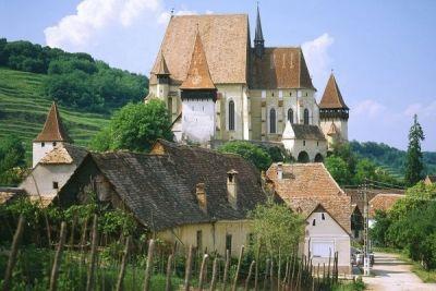 Transilvania – pe primul loc în topul regiunilor recomandate de ghidul Lonely Planet pentru 2016 http://www.antenasatelor.ro/turism/6497-transilvania-%E2%80%93-pe-primul-loc-in-topul-regiunilor-recomandate-de-ghidul-lonely-planet-pentru-2016.html