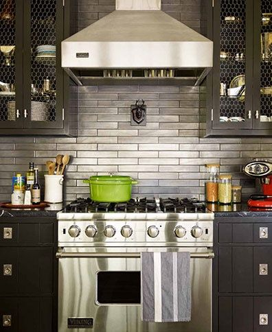 Thom Filicia Grey Kitchen Stainless Steel Backsplash   Sublime Decor   Need  To Figure Out How