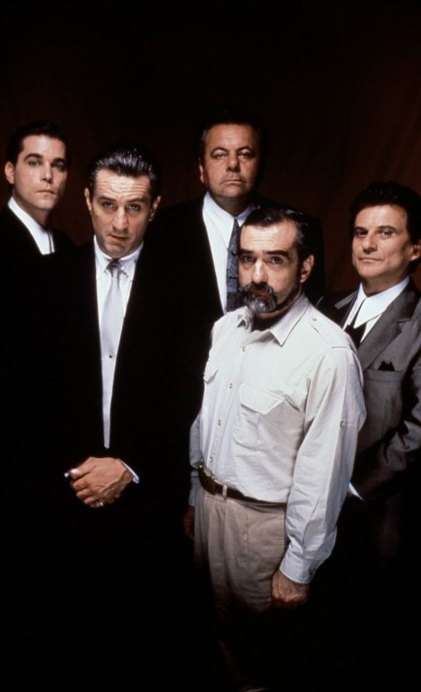 Goodfellas - Just a bunch of wiseguys hanging around... Ray Liota, Robert De Niro, Paul Sorvino, Martin Scorsese & Joe Pesci #GangsterMovie #GangsterFlick