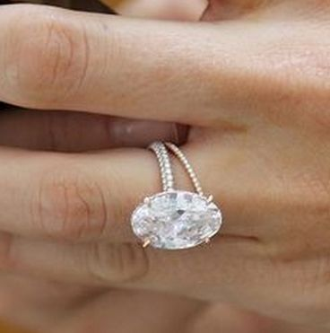 Blake Livelys engagement ring
