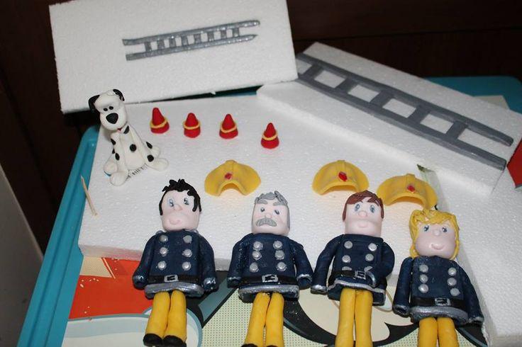 Personaggi cartone animato sam il pompiere torte