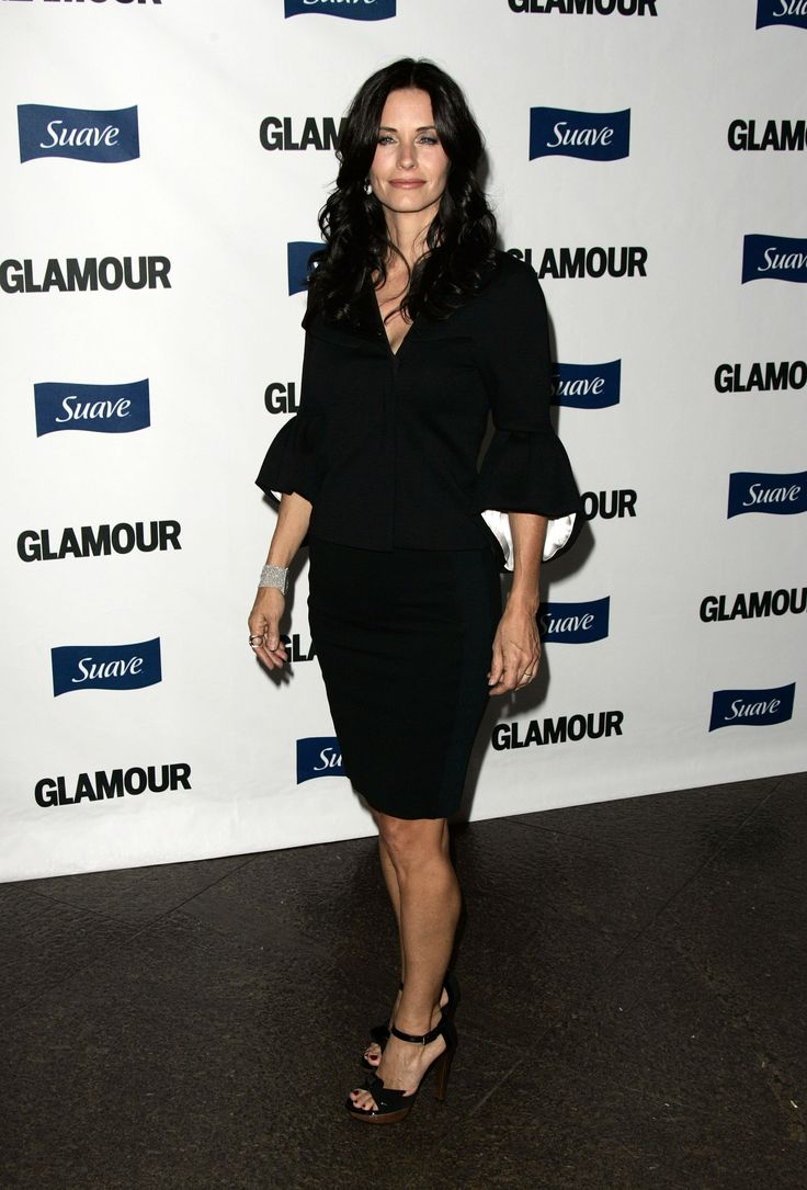 aAfkjfp01fo1i-118/loc563/23070_Courteney_Cox_arrives_at_Glamour_Reel_Moments-003_122_563lo.jpg