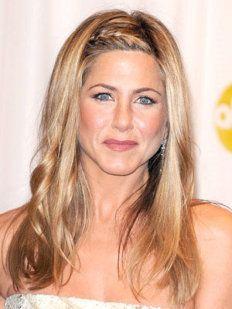 Jennifer Aniston.  Peinados fáciles para invitadas