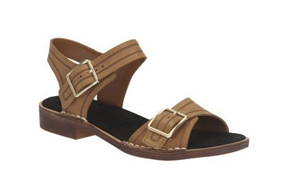 Cabaret Glitz is the perfect dress casual summer flat. This two part sandal with double adjust buckles combines rich tobacco leather with a contrasting trim while authentic stitch down construction delivers a premium feel.
