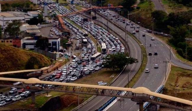 Pregopontocom Tudo: Acidentes e ônibus quebrado congestionam trânsito em Salvador ...
