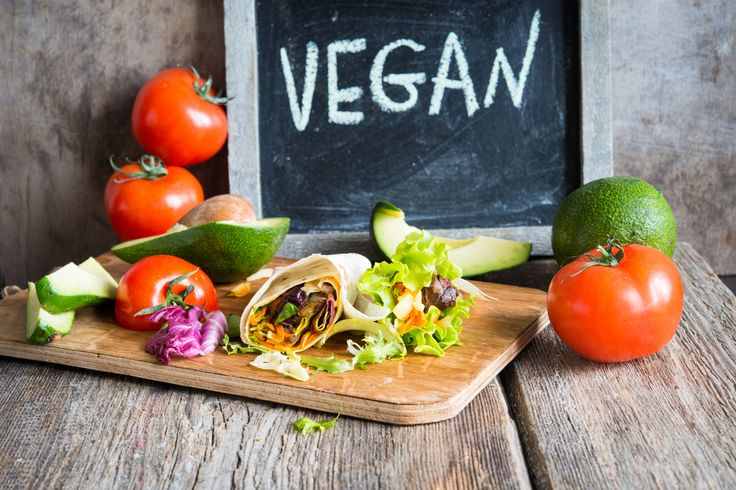 A low-fat, plant-based diet is more effective at helping women lose weight and improving insulin sensitivity than an omnivorous diet, shows a new study.