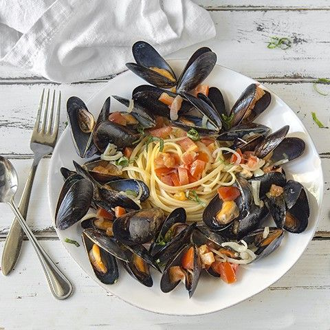 This Table Recipes - Linguine & Mussels