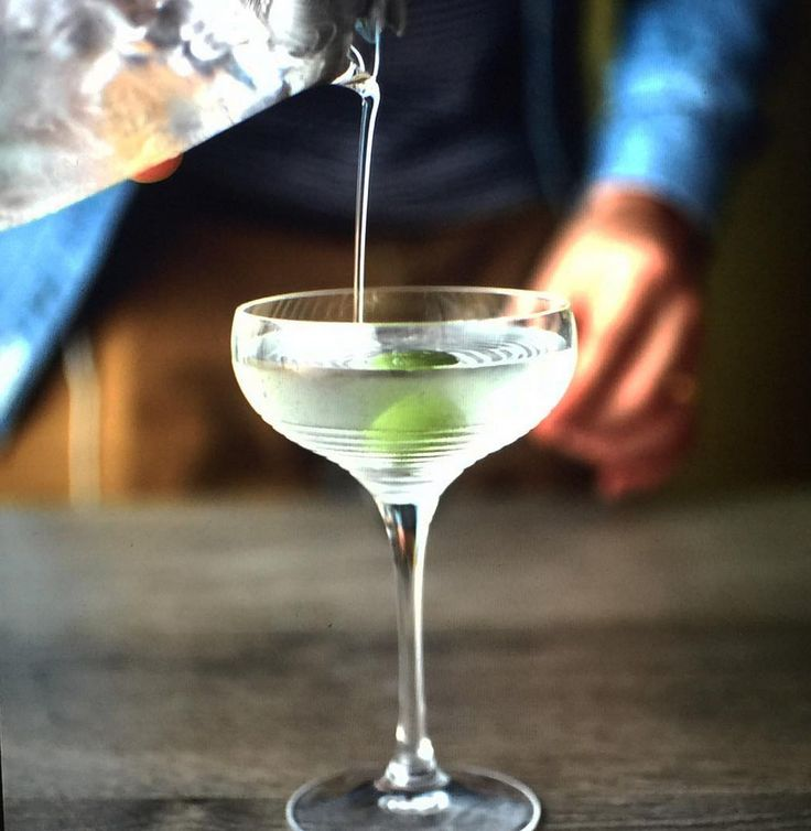 10 of the Lowest Calorie Cocktails You Can Drink - SELF