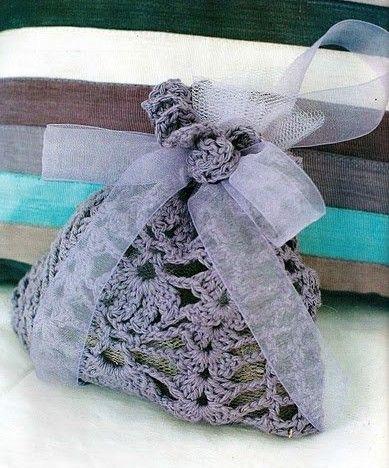 Crocheted sachet by http://crochet-plaisir.over-blog.com