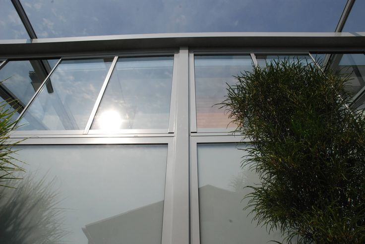 Wintergarten Faltschiebe-Konstruktion in grau #Wintergarten #Sommergarten #Glasüberdachung #Sunflex #Glasfalttüren #Slide and #Turn #Systems