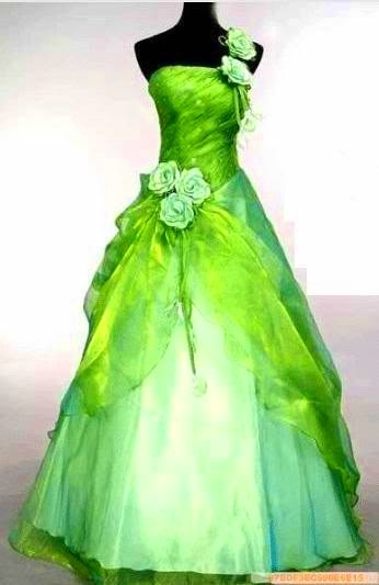 Drop the roses and this becomes a truly beautiful gown