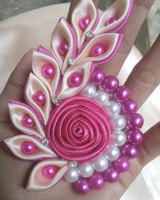 Bros Kanzashi snail Best Seller item Rp. 20.000 #bross #brosjilbab #broshijab #broochhijab #broochhandmade #broshandmade #brosshijab #kanzashi #endorsehijab #dianpelangi #gamissyari #hijabfashion