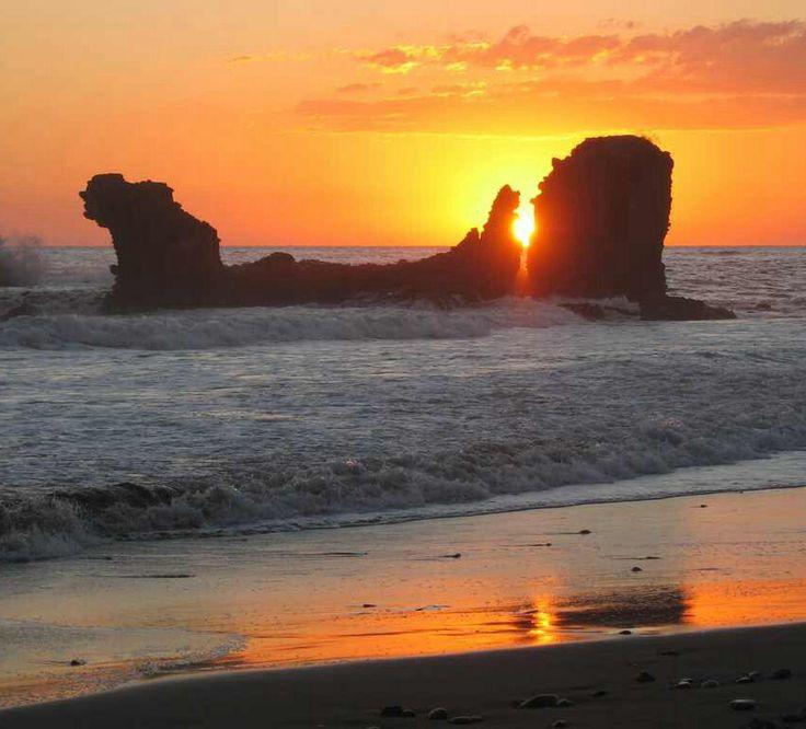 49 Best Playas El Salvador Images On Pinterest: Playa El Tunco, El Salvador