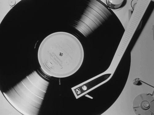 vinyl, RECORDPLAYER #inlarariastudio #inspo