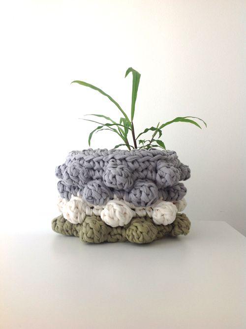 Crocheting with t-shirt yarn - Vero Gobet