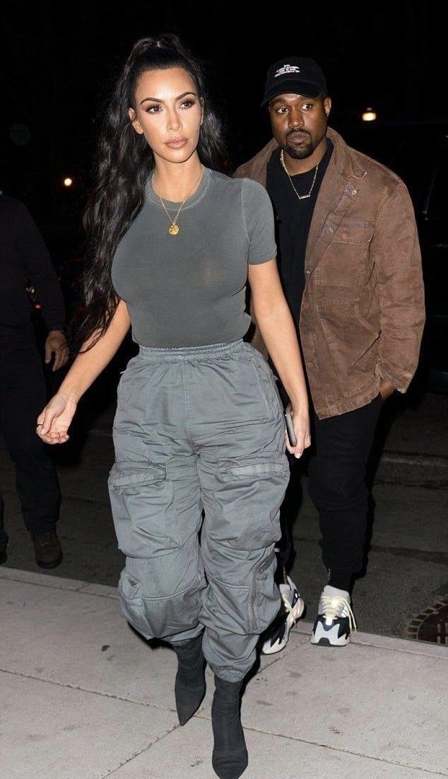 Kartinka S Tegom Fashion Kanye West And Kim Kardashian Kim Kardashian Outfits Kardashian Style Casual Kardashian Outfit