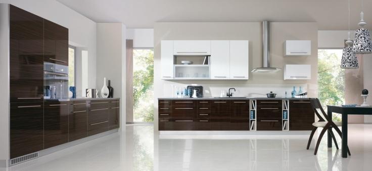 Moderní kuchyně - http://www.vybersito.cz/zbozi/21785/kuchyne-sestavy/kuchyne-bon-appetit-zebrawood/
