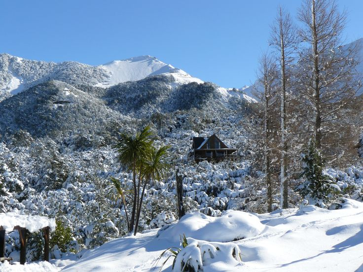 Mt Lyford Accommodation - Log Chalet