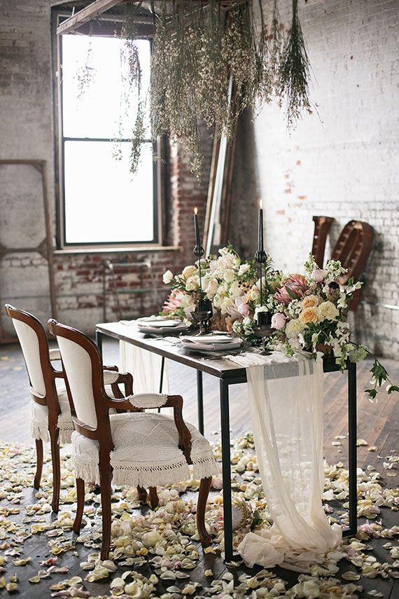 Romantic industrial wedding inspiration | Photo by Hudson Nichols Photography | Read more - http://www.100layercake.com/blog/wp-content/uploads/2015/03/Industrial-Romance-Wedding-inspiration