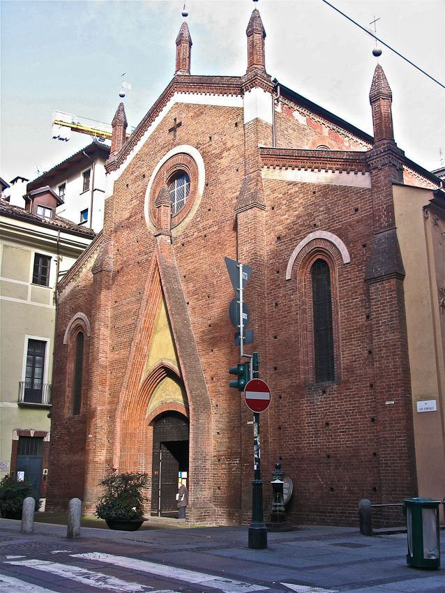 La façade de l'église San Domenico (XIV s.), la seule église dans le style gothique italien de Turin.