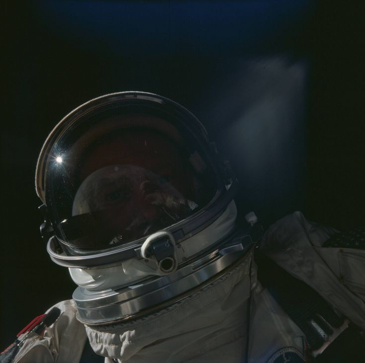 Buzz Aldrin's self-portrait during Gemini 12 with the Earth reflecting off his visor, 12 November 1966