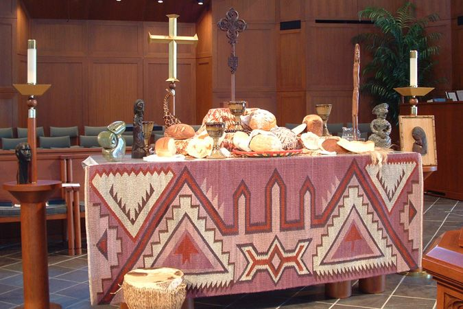 World communion table 2005 african themes shape this for Altar decoration for first holy communion