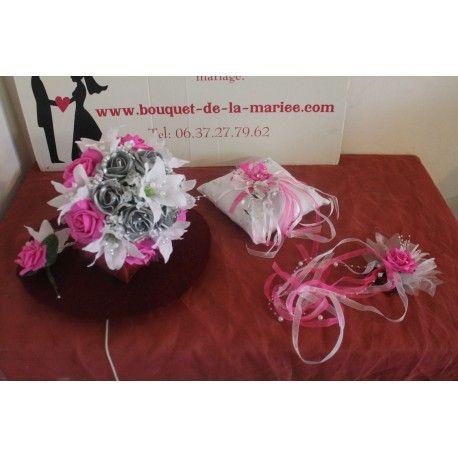 Lot des fleurs pour mariage, Bouquet de mariée fait main en France avec des lys et roses couleur fuchsia, gris argenté et blanc, boutonnière des marié, coussin d'alliances et peigne de cheveux assortis! Le bouquet de la mariée est fait à la main, sur mesure en France avec des fleurs artificielles Haut de Gamme