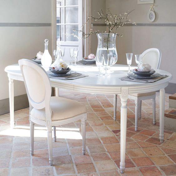 Mesa de comedor redonda extensible de madera blanca Diam. 120 cm Louis | Maisons du Monde