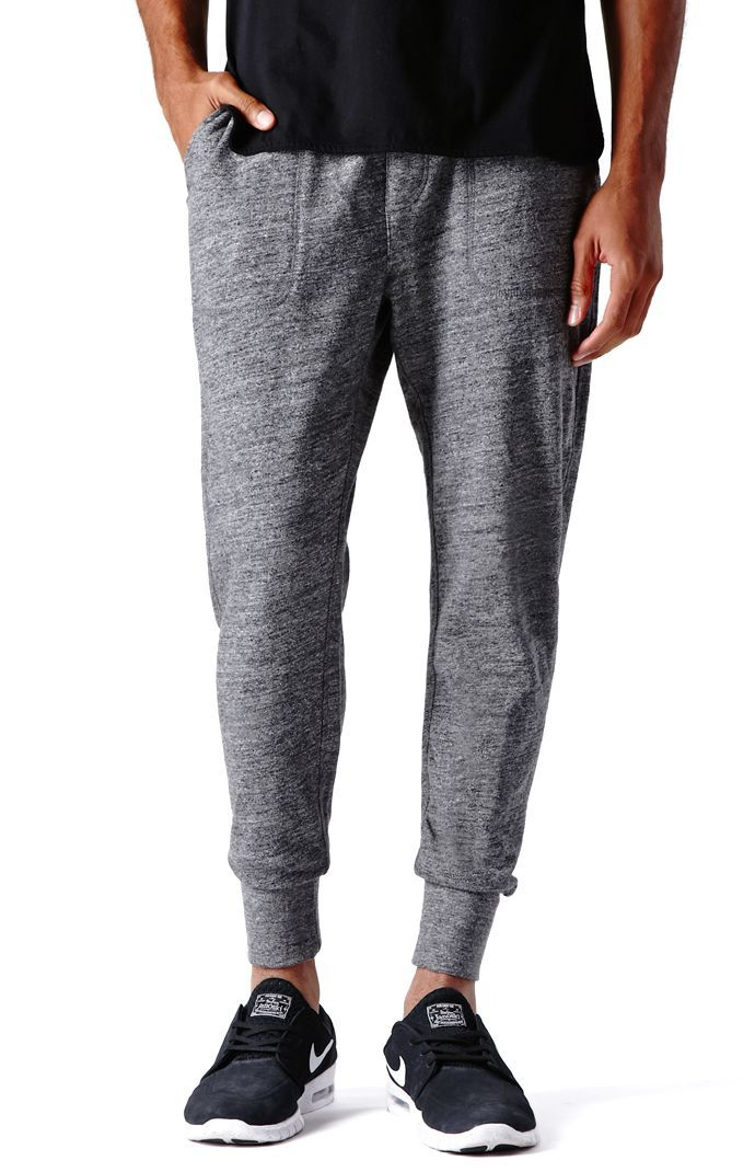 PacSun presents the On The ByasThe Chill Jogger Sweatpants for men. These classic men's sweatpants come with a gray body, thick elastic cuffs, and slant front pockets.Gray sweatpantsOn The Byas patch sewn above zip back pocketSlant front pocketsElastic, drawstring waistMachine washable100% cottonImported
