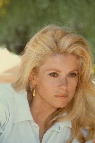 CATHERINE DENEUVE's hair