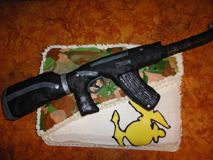 Gun Cake Decorating Ideas : Assault Rifle Cake , completely edible, gun and all ! I ...